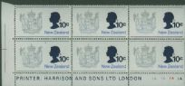 SG 925w 1970 10c Queen Elizabeth and New Zealand Coat of Arms plate block (NF1/28)
